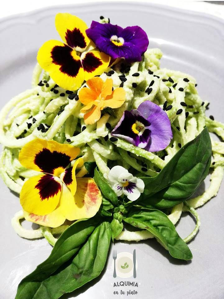 Spirali zucchini con pesto